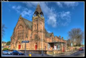 Sherwood Church Greenlaw está situada en la esquina de Glasgow Road y Greenlaw Drive en el extremo este de Paisley, frente a Paisley Grammar School,