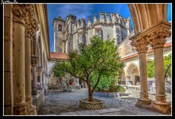 Sirvió de local de procesiones y de enterramient de los frailes caballeros. Fue remodelado a principios del siglo XVII.