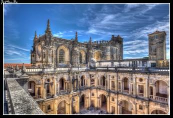 Iniciado en 1530 y finalizado en lo esencial en 1562, fué remodelado en el siglo XVI. Está considerado como una obra maestra del renacimiento europeo.