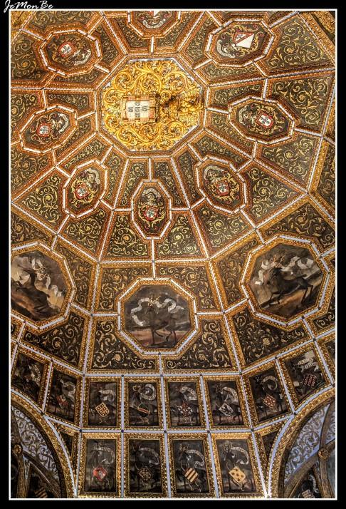 La cúpula de la Sala de los Blasones, del primer cuarto del s. XVI, representa todavía hoy la principal fuente consultada por portugueses y lusodescendientes de todo el mundo