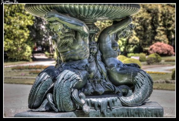 Los jardines del Palacio de Cristal se encuentran en la parte alta de Oporto y forman un espacio verde muy agradable desde el que se puede disfrutar, con unas vistas privilegiadas, de la desembocadura del río Duero en el Océano Atlántico.