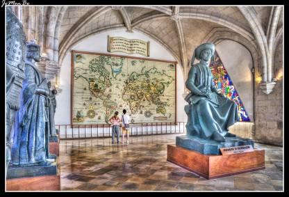 El rey D. Luís dio origen al Museo de la Marina, albergando los testimonios relacionados con la historia marítima portuguesa, con la voluntad de preservar una parte importante de la supremacía lusa durante la época dorada de los descubrimientos; durante los años de Enrique el Navegante y del famoso Vasco de Gama, y su papel como pioneros en la conquista de los mares.