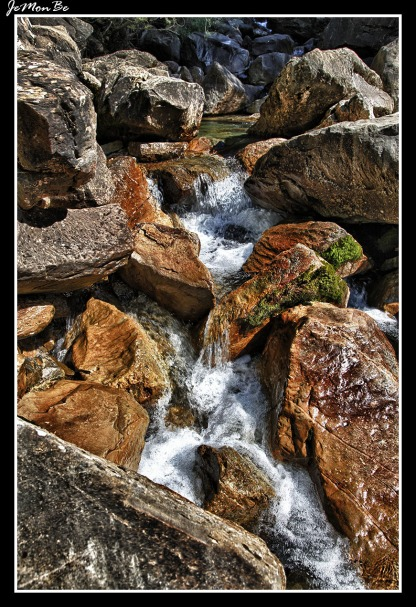 La imponente cascada de Cotatuero, que con sus 200 metros de caída, es la más alta del valle de Ordesa.