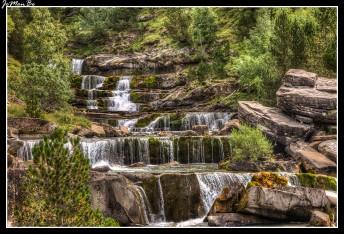 Las Gradas de Soaso son una sucesión de cascadas que todas juntas forman una sucesión de saltos y pozas más o menos espectaculares según el caudal del Arazas.