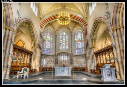 La Catedral de San Andrés es una catedral católica ubicada en Glasgow (Escocia), Construida en estilo neogótico, se encuentra localizada en una de las orillas del río Clyde. Finalizada en 1817 y diseñada por James Gillespie Graham, la iglesia reintrodujo el culto romano en Glasgow. En 1805, sólo había 450 católicos en toda la ciudad; pero cuando se culminó la iglesia, eran más de 3.000. En 1889 fue elevada a la categoría de catedral.