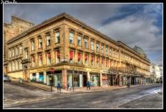 Las galerías McLellan son un espacio de exposiciones en la ciudad de Glasgow, Escocia , están situadas detrás de una fachada de tiendas en la calle de Sauchiehall . Las galerías fueron construidas en 1855-6, diseñadas por el arquitecto James Smith y financiadas por Archibald McLellan (1795-1854), constructor de carruajes, concejal y mecenas de las artes.