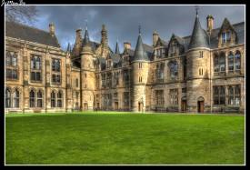 La Universidad de Glasgow es una de las más antiguas del Reino Unido, fue fundada en 1451. En el edificio principal de la Universidad nos encontramos con el Museo Hunterian que es el museo público más antiguo de Escocia.
