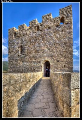 32 Castillo Loarre