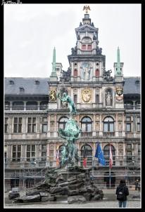 04 Estatua de Bravo