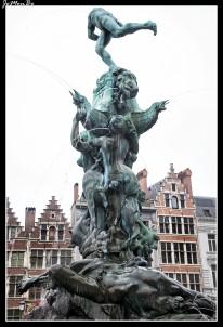 05 Estatua de Bravo