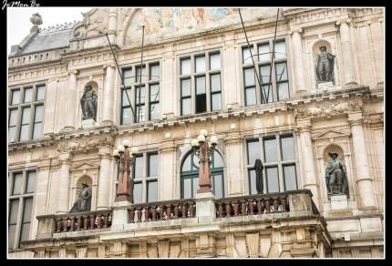 El Nederlands Toneel Gent ( NTGent o NTG ) es un teatro de la ciudad de Gante fundado en 1965.