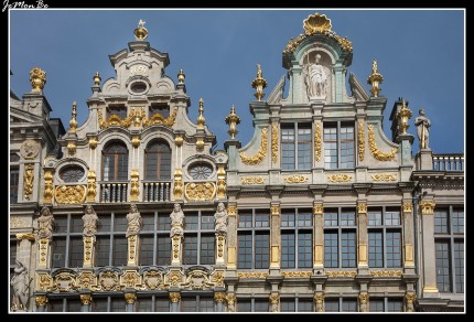 021 Grand Place La carretilla y el saco