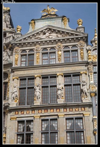 025 Grand Place arqueros