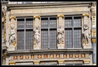 027 Grand Place arqueros
