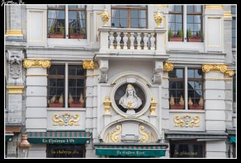 057 Grand Place La chalupa de oro