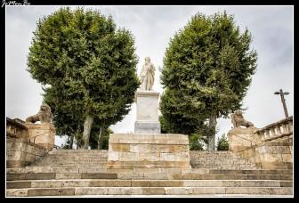72 Estatua del intendente d´Etigny