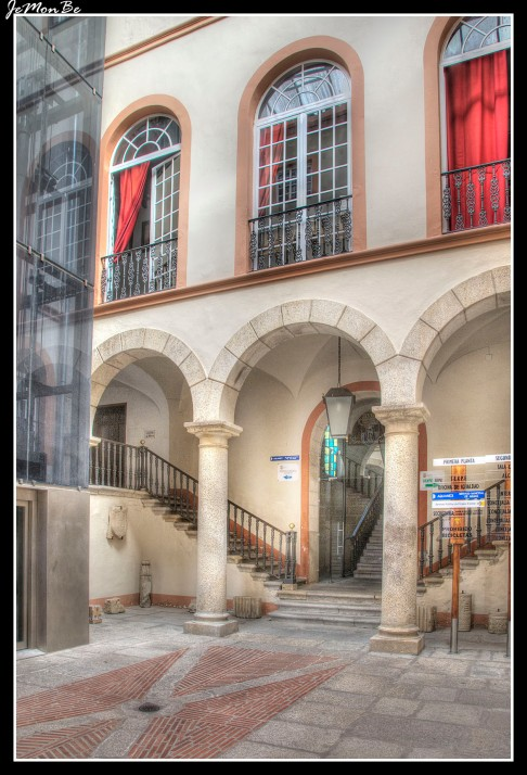01 Palacio municipal de Alhóndiga