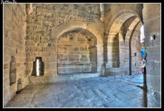 114 Puerta de la ciudad medieval