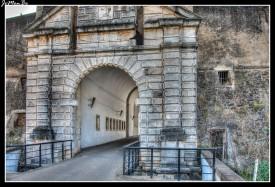 18 Puerta del Calvario
