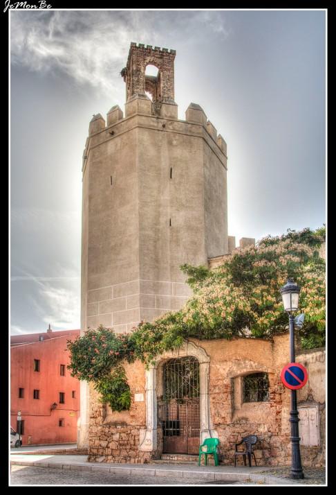 45 Torre Espantaperros
