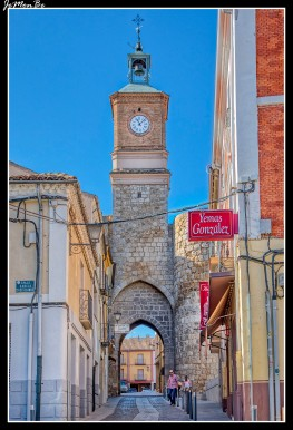 02 torre del reloj, puerta de la villa