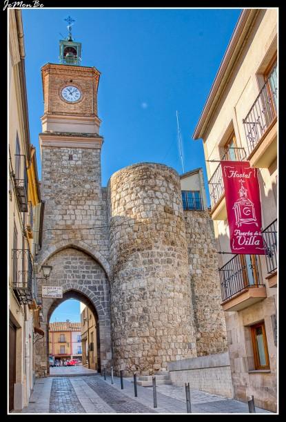 03 torre del reloj, puerta de la villa